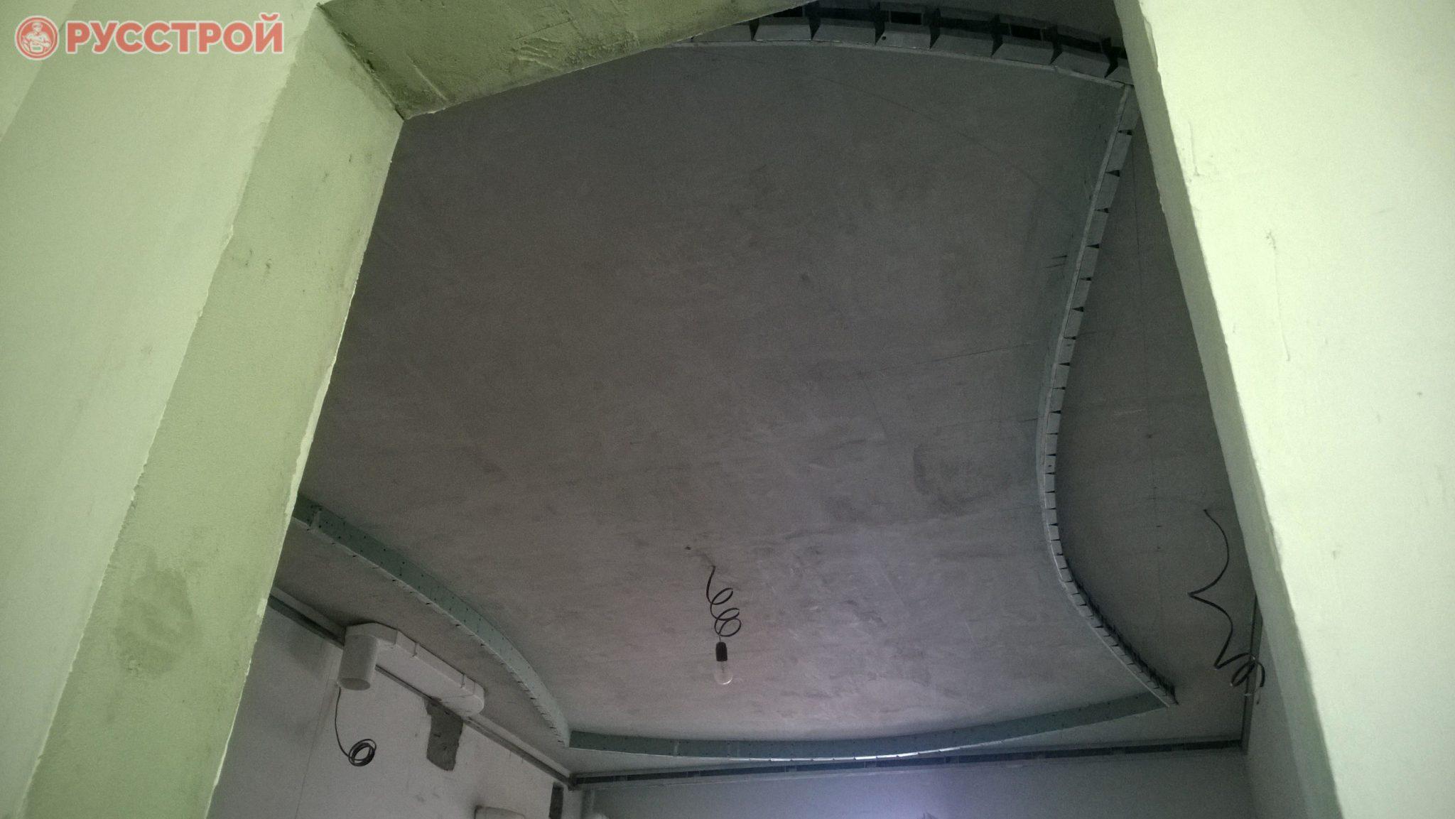 Второй уровень потолка из гипсокартона. Сделано ООО 'Русстрой' г. Калуга