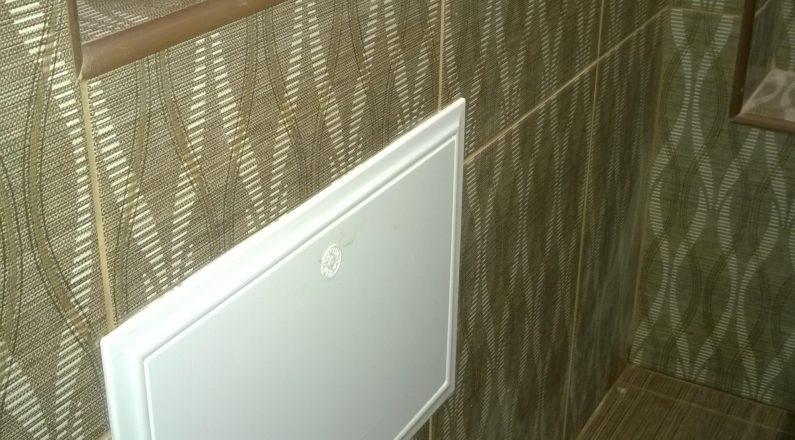Гипсокартоновый короб для счетчиков воды в туалете