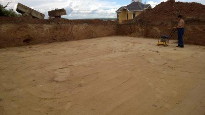 Обязательная утрамбовка песка виброплитами